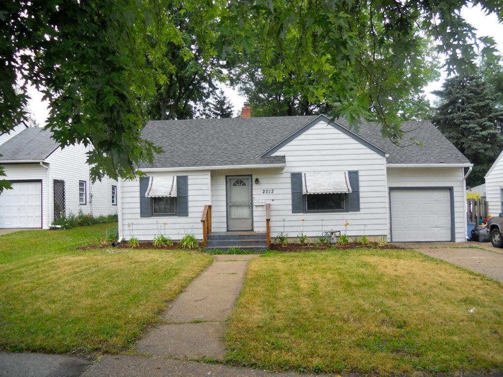 2012 20th St. Rockford, IL. 61108